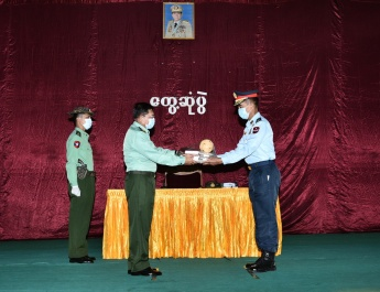 Senior General Min Aung Hlaing cordially meets with officers, other ranks, families of local military units in Homalin, Lahe, Hkamti