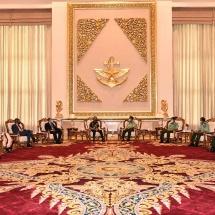 တပ်မတော်ကာကွယ်ရေးဦးစီးချုပ် ဗိုလ်ချုပ်မှူးကြီး မင်းအောင်လှိုင် အိန္ဒိယကြည်းတပ်ဦးစီးချုပ် General MM Naravane အား လက်ခံတွေ့ဆုံ (ရုပ်သံသတင်း)