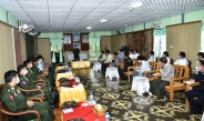 Senior General Min Aung Hlaing cordially meets town elders and departmental personnel of Homalin and Wuntho, presents Covid-19 prevention, control and treatment aids