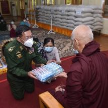 Senior General Min Aung Hlaing pays homage to Laykyun Yanaung Pagoda built on Dipa Ayemya hillock of Maha Myaing Tawya