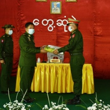 Senior General Min Aung Hlaing meets officers,other ranks and their families from Mongton, Monghsat stations