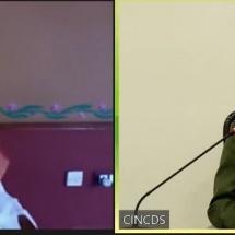 တပ်မတော်ကာကွယ်ရေးဦးစီးချုပ် ဗိုလ်ချုပ်မှူးကြီး မင်းအောင်လှိုင် အိန္ဒိယနိုင်ငံမှ လူသားချင်းစာနာထောက်ထားမှုခေါင်းဆောင်နှင့် ငြိမ်းချမ်းရေးသံတမန်ကြီးတစ်ဦးဖြစ်သည့် Sri Sri Ravi Shankar အားVirtual Meeting ဖြင့် တွေ့ဆုံဆွေးနွေး(ရုပ်သံသတင်း)