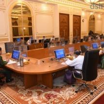 ပြည်ထောင်စုသမ္မတမြန်မာနိုင်ငံတော်အစိုးရ၊ ပြည်ထောင်စုအစိုးရအဖွဲ့ အစည်းအဝေးကျင်းပ၊ တပ်မတော်ကာကွယ်ရေးဦးစီးချုပ် ဗိုလ်ချုပ်မှူးကြီး မင်းအောင်လှိုင် အဖွင့်အမှာစကားပြောကြား၊ တပ်မတော်ကာကွယ်ရေးဦးစီးချုပ် ဗိုလ်ချုပ်မှူးကြီး မင်းအောင်လှိုင် ပျဉ်းမနားမြို့၊ ဈေးကုန်းကျောင်းတိုက် ပဓာနနာယက ဆရာတော် အဘိဓဇမဟာရဋ္ဌဂုရု ဘဒ္ဒန္တ ကဝိသာရ အား သွားရောက်ဖူးမြော်ကြည်ညို (ရုပ်သံသတင်း)