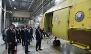 """နိုင်ငံတော်စီမံအုပ်ချုပ်ရေးကောင်စီဥက္ကဋ္ဌ၊ တပ်မတော်ကာကွယ်ရေးဦးစီးချုပ် ဗိုလ်ချုပ်မှူးကြီး မင်းအောင်လှိုင် ဦးဆောင်သည့် ကိုယ်စားလှယ်အဖွဲ့ Republic of the Tatarstan၊ Kazan မြို့တော်ရှိ PJSC """"Kazan Helicopters""""ထုတ်လုပ်ရေးအလုပ်ရုံသို့ သွားရောက်ကြည့်ရှုလေ့လာ"""