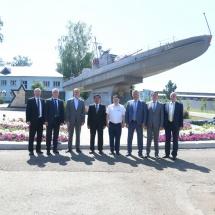 """နိုင်ငံတော်စီမံအုပ်ချုပ်ရေးကောင်စီဥက္ကဋ္ဌ၊ တပ်မတော်ကာကွယ်ရေးဦးစီးချုပ် ဗိုလ်ချုပ်မှူးကြီး မင်းအောင်လှိုင် ဦးဆောင်သည့် ကိုယ်စားလှယ်အဖွဲ့ Republic of the Tatarstan ၊ Kazan မြိုတော်ရှိ JSC """"Zelenodolsk Plant named after A.M.Gorky"""" ရေယာဉ်တည်ဆောက်ရေးအလုပ်ရုံသို့ သွားရောက်ကြည့်ရှုလေ့လာ"""